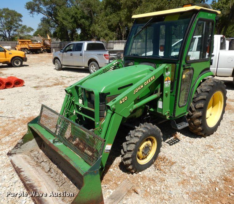 John Deere 4200 HFWD tractor