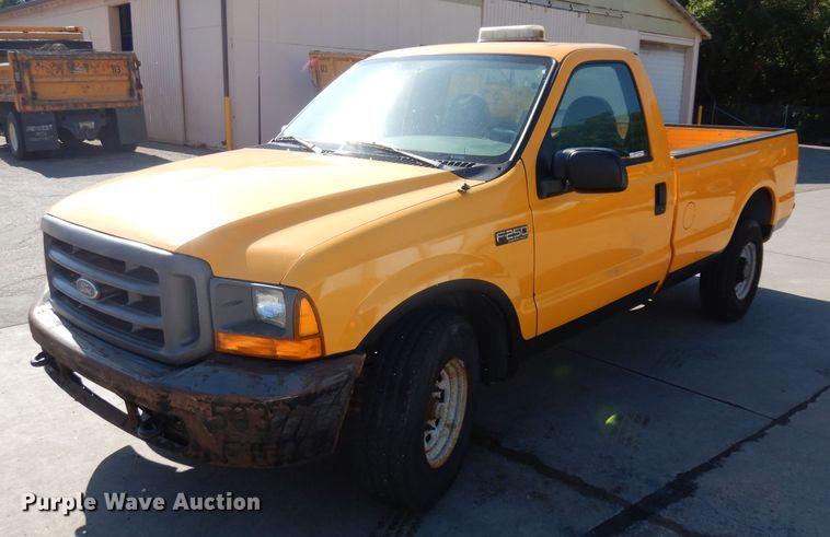 2000 Ford F250 Super Duty XL pickup truck