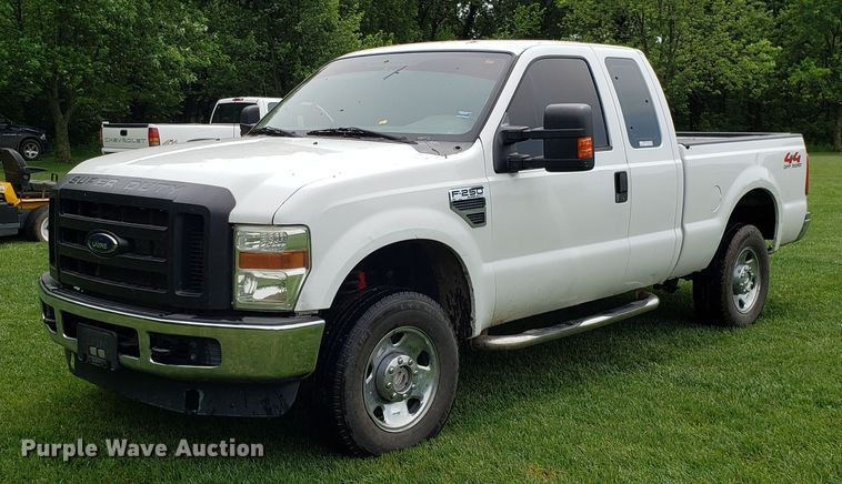 2009 Ford F250 Super Duty SuperCab pickup truck
