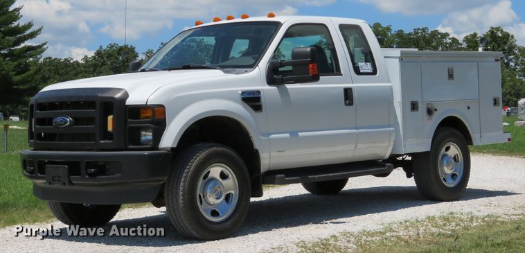 2008 Ford F350 Super Duty XL SuperCab utility bed pickup truck