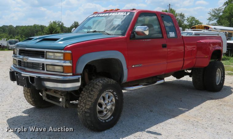 1994 Chevrolet 3500 Ext. Cab pickup truck