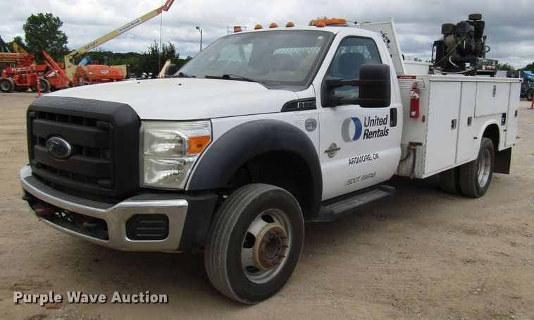 2012 Ford F550 service truck with crane