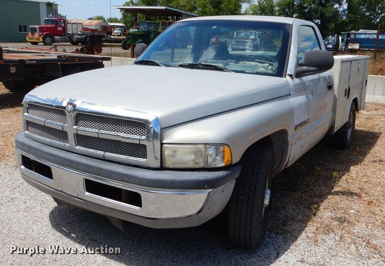 1999 Dodge Ram 2500 utility bed pickup truck