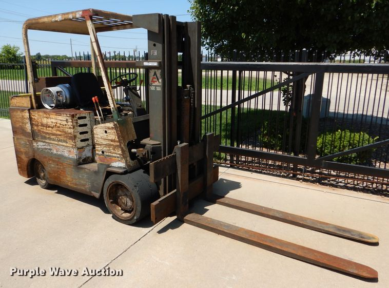 Allis Chalmers ACC100NLPS forklift
