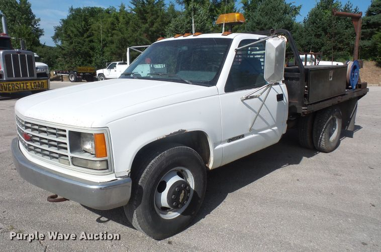 1992 Chevrolet C3500 flatbed pickup truck