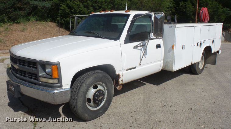 1997 Chevrolet C3500 utility bed pickup truck