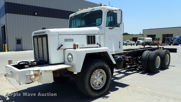 1979 International F5070 truck cab and chassis
