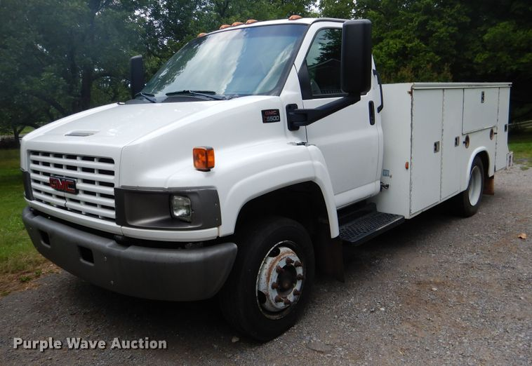 2009 GMC C5500 utility bed truck