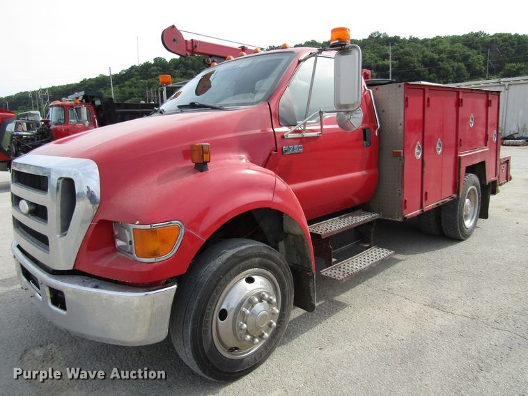 2007 Ford F750 Super Duty service truck with crane