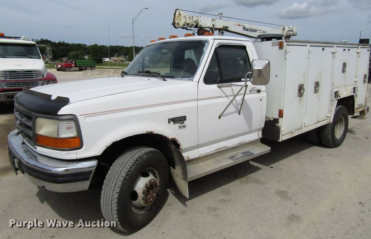 1996 Ford F450 Super Duty service truck with crane