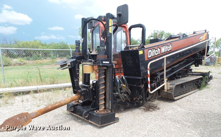 2014 Ditch Witch JT60 All Terrain directional boring machine