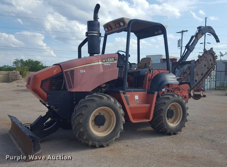 2011 Ditch Witch RT95 trencher