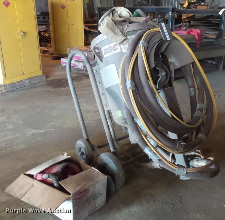Clemco 2020 Series 2000 sandblaster