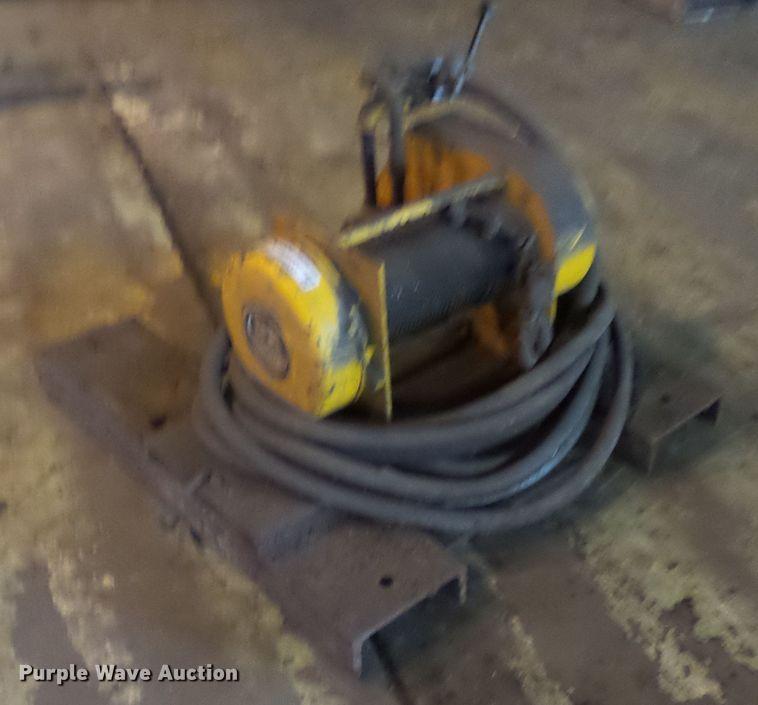David Round AR103 air tug