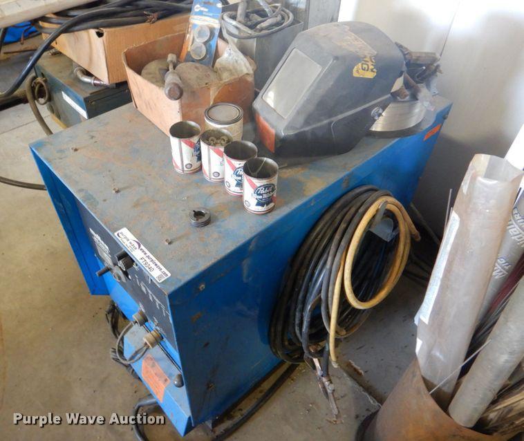 Miller MC-300VS welder