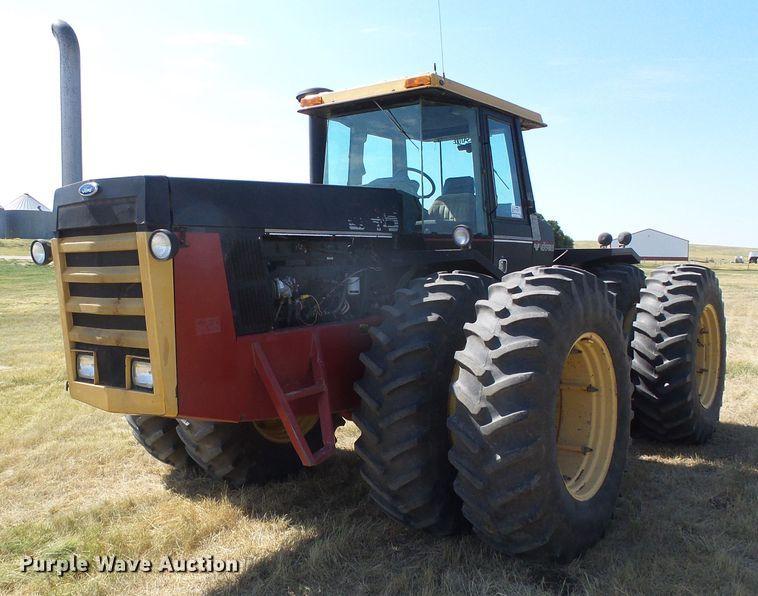 1988 Versatile 846 4WD tractor