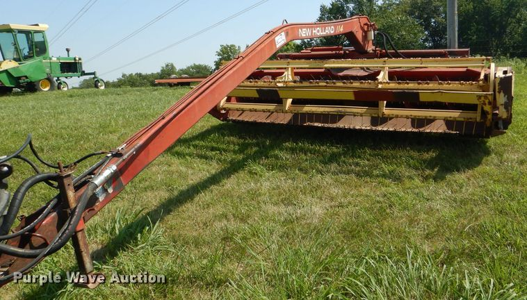 1982 New Holland 114 windrower