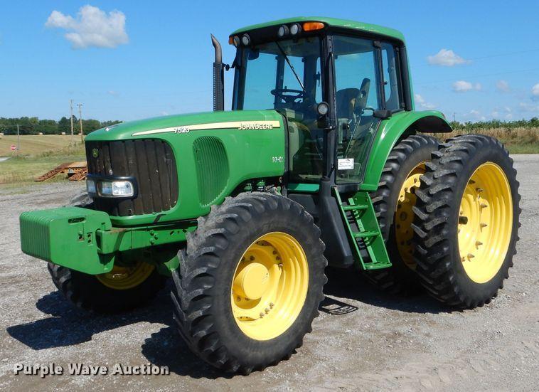 2005 John Deere 7520 MFWD tractor