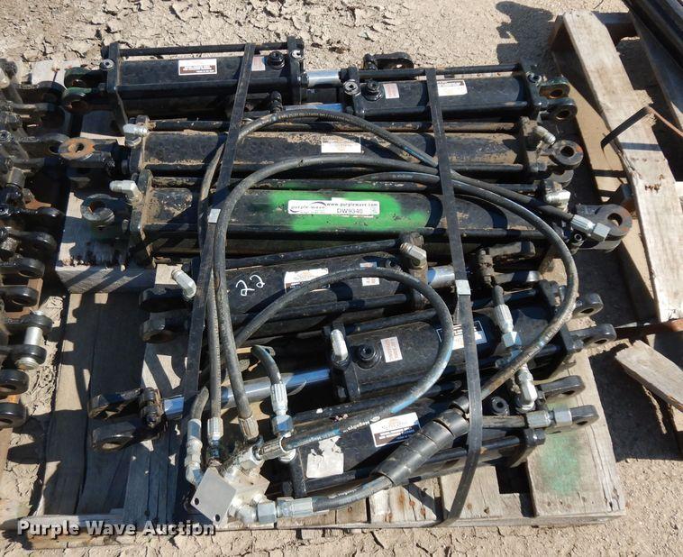 (7) hydraulic cylinders