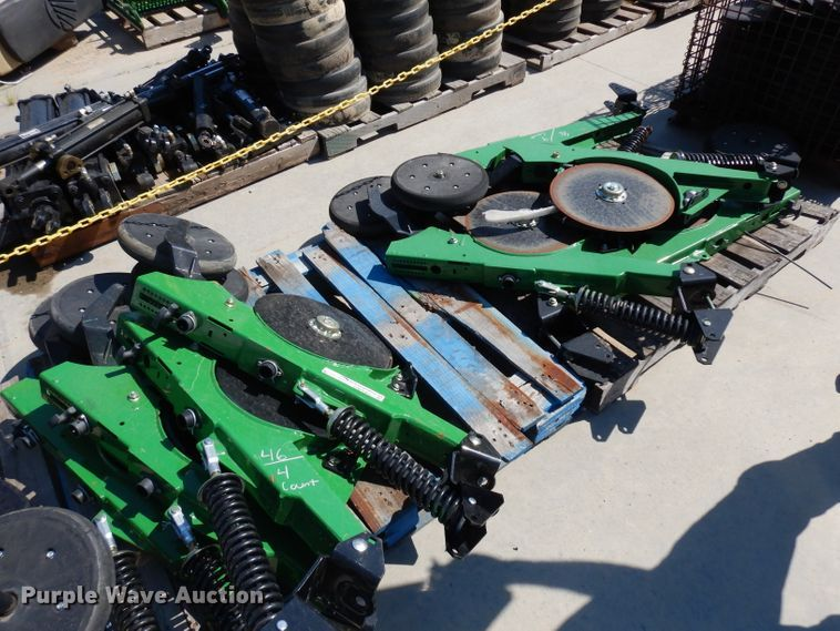 (8) short double disk opener row units