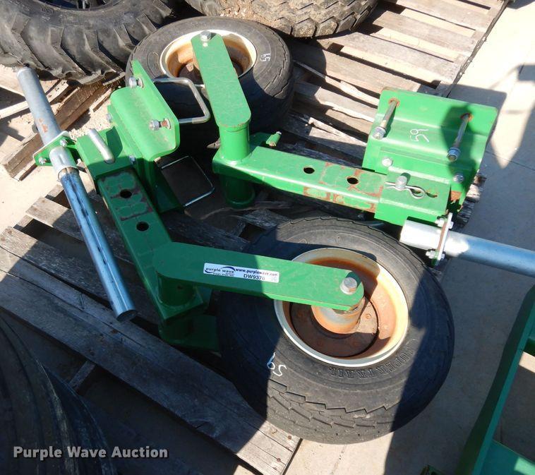 (2) 20.5x8.0-10 gauge wheels
