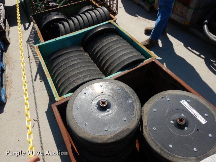 (49) gauge wheels