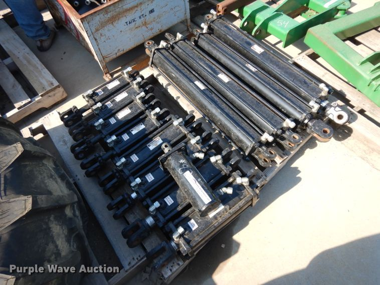 (13) hydraulic cylinders