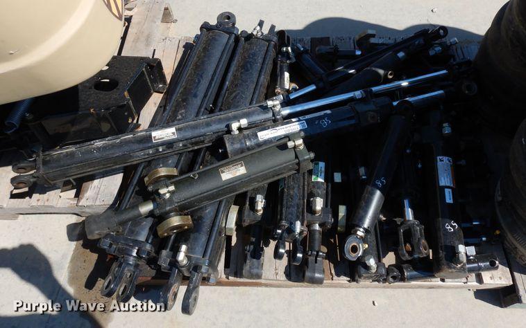 (28) hydraulic cylinders
