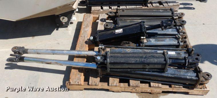 (8) hydraulic cylinders