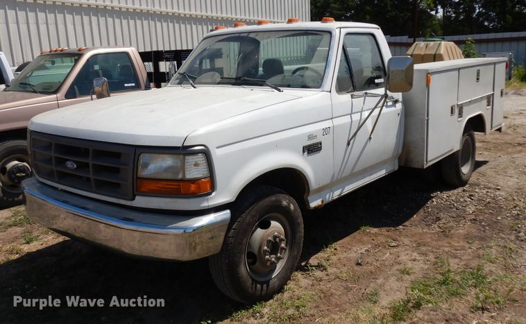 1993 Ford F350 utility bed pickup truck