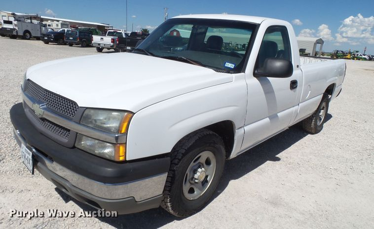2003 Chevrolet Silverado 1500 pickup truck