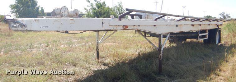 Hay bale trailer