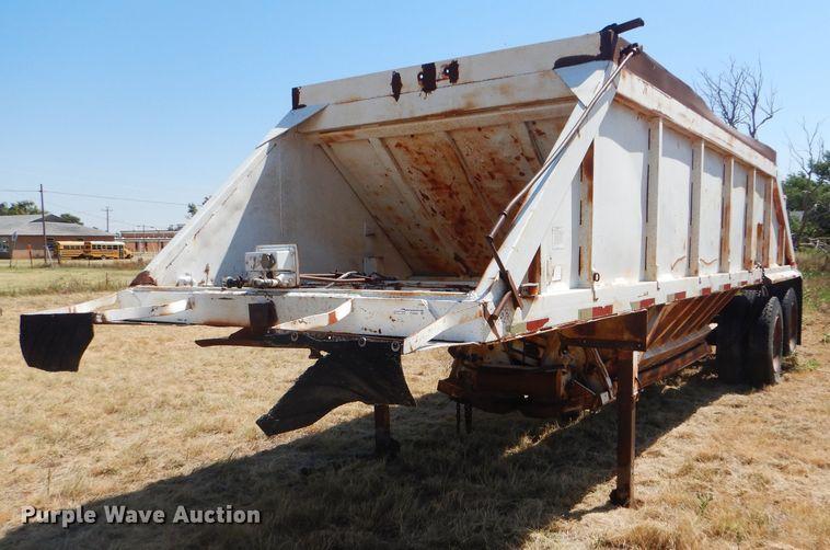 1982 Ranch bottom dump trailer