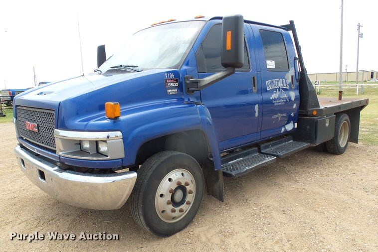 2006 GMC C5500 flatbed truck