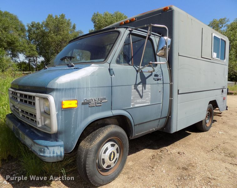 1986 Chevrolet G30 delivery truck