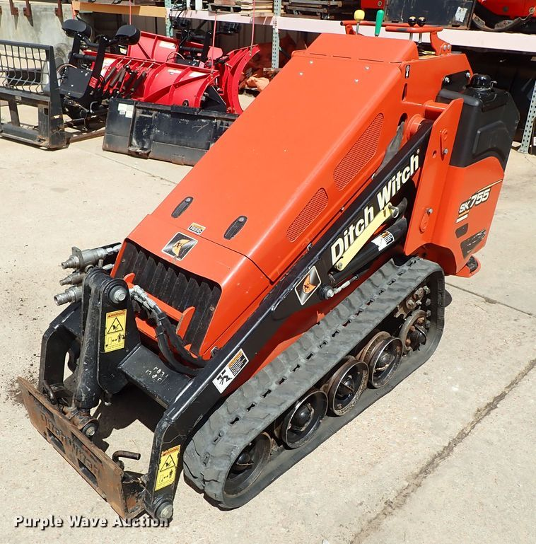 2014 Ditch Witch SK755 compact utility loader