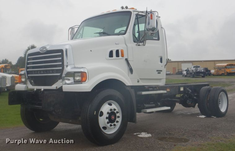 2009 Sterling L8500 truck cab and chassis