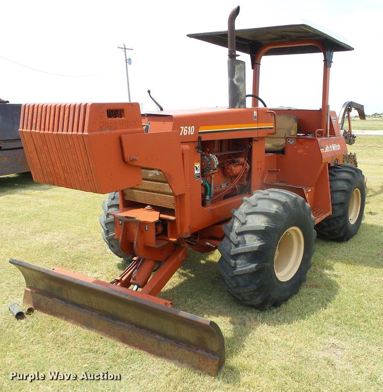 1996 Ditch Witch 7610 trencher