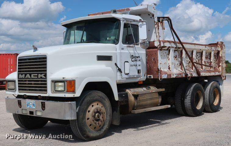 1991 Mack CH613 dump truck