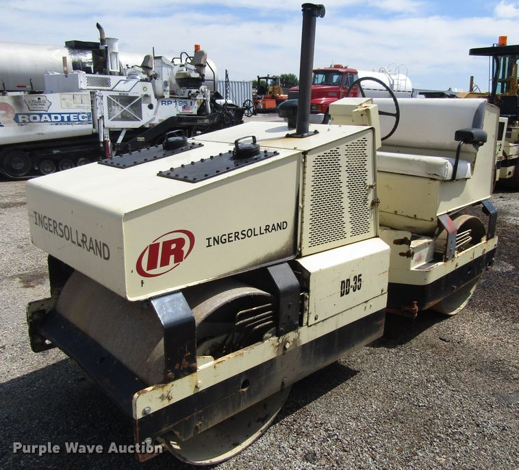 1988 Ingersoll Rand DD35 double drum vibratory roller