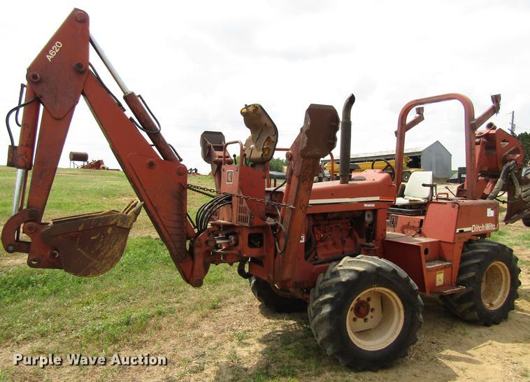 Ditch Witch 8020 cable plow