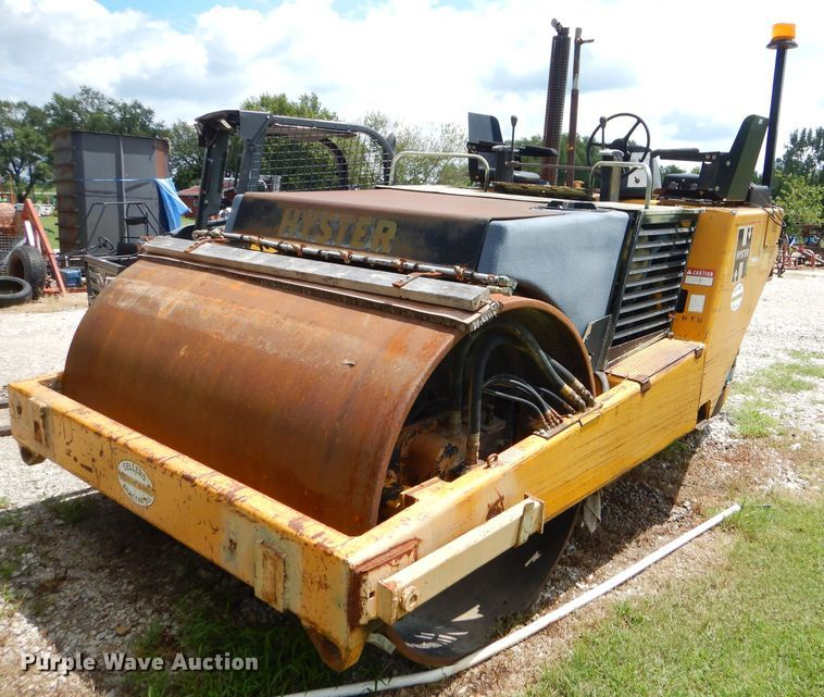 Hyster C617 vibratory double drum roller