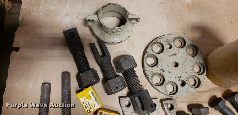 Caterpillar steering clutch and final drive tooling
