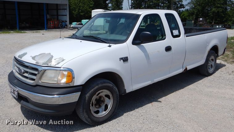 2000 Ford F150 XL SuperCab pickup truck