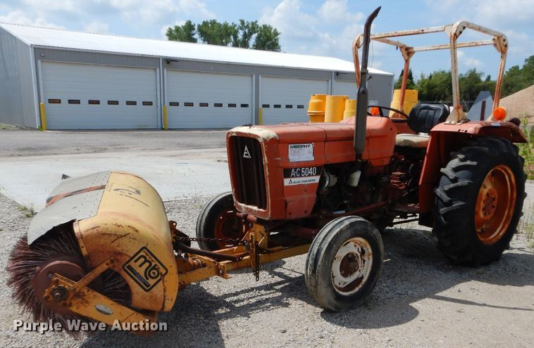 Allis Chalmers AC5040 tractor