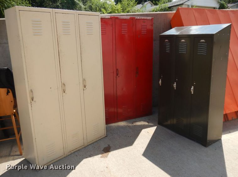 (3) sets of lockers