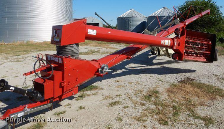 Farm King Y1370 auger