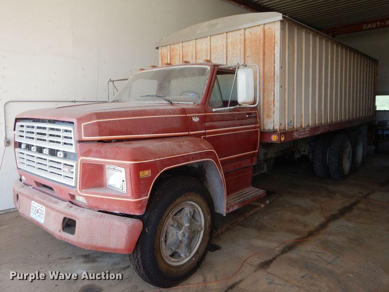 1980 Ford grain truck