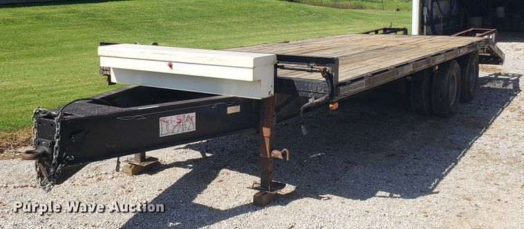 2005 Starlite equipment trailer