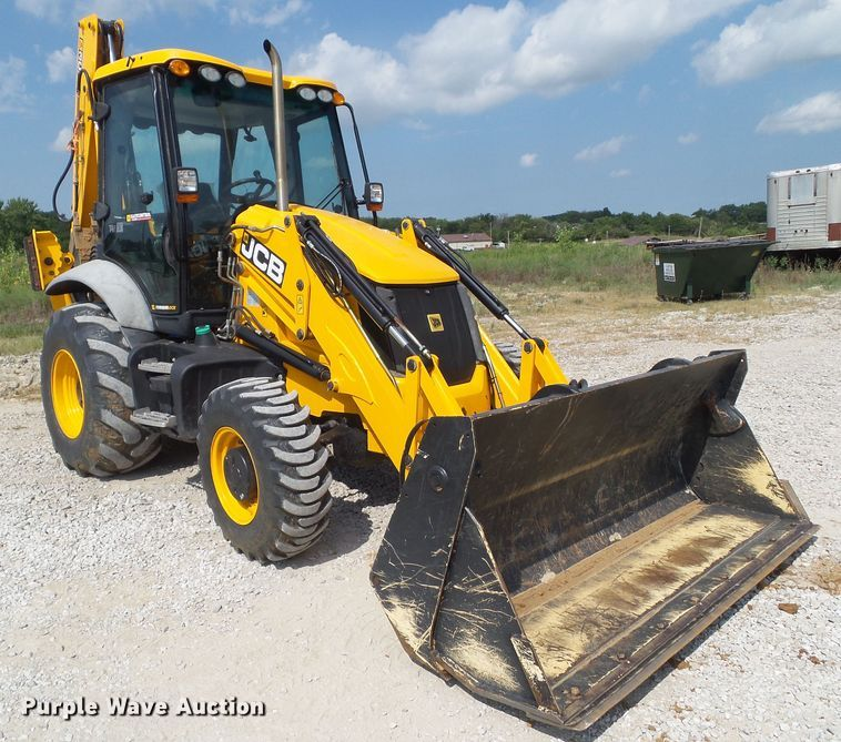 2016 JCB 3CX-15 backhoe
